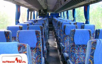 Wnętrze autobusu na 54 osoby