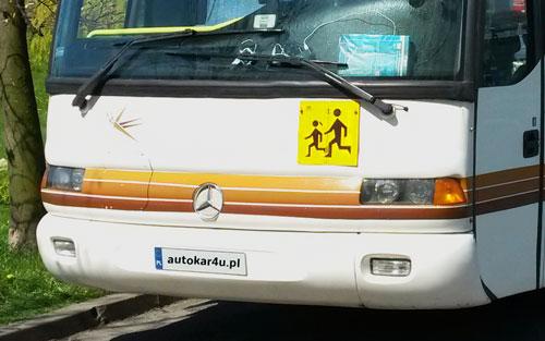 Autokary dla szkół. Rodzicu, czy wiesz, czym podróżuje twoje dziecko?