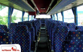 56 komfortowych foteli w autobusie Volvo