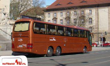 Autobus MAN R08 z wygodnymi fotelami.