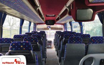 Autobus gotowy na wycieczkę